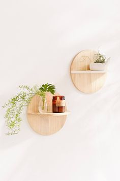 Slide View: 1: Calista Circle Wooden Shelf