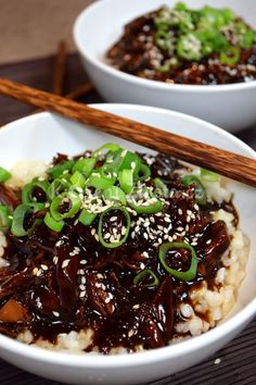 Domácí teriyaki omáčka a trhané kuřecí maso | KořeníŽivota.cz No Salt Recipes, Great Recipes, Appetizer Recipes, Appetizers, Good Food, Yummy Food, Poke Bowl, Kimchi, Asian Recipes