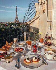 Best Winter Destinations, Travel Destinations, Christmas Destinations, Travel Europe, France Travel, Italy Travel, Travel Diys, Travel Gadgets, Food Travel