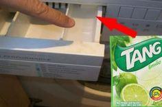 Ela coloca suco de limão em pó na máquina de lavar, e… UAU! Que ideia de gênio!