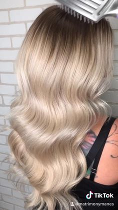 #handtiedextensions #blondehair #blondehairstyles #blondehaircolor #volume #oliviagarden #waves #hairstyles #fanola Olivia Garden, Volume Hairstyles, Blonde Highlights, Hair Extensions, Hair Care, Hair Makeup, Hair Color, Waves, Blouses