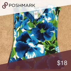Premise blouse Blue, green and white floral print Tops Blouses