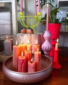 """Meri Weckman sanoo Instagramissa: """"#kotimaistakäsityötä #suomalaistakäsityötä #kynttilät #kierrätysaskartelu #kierrätyssisustus #kierrätyskynttilä #kynttilätunnelmaa…"""" Candles, Table Decorations, Diy, Furniture, Instagram, Home Decor, Decoration Home, Bricolage, Room Decor"""