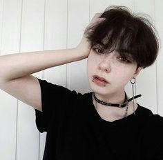 aaah, my moms is homo and i want this Tomboy Haircut, Tomboy Hairstyles, Pixie Haircut, Emo Hairstyles For Guys, Pelo Ulzzang, Ulzzang Girl, Ulzzang Tomboy, Cut My Hair, Hair Cuts