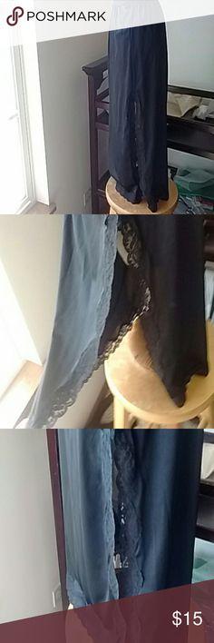 Vintage Half Slip With Slits On Both Sides Midi Beautiful! Great condition! Vintage Intimates & Sleepwear Chemises & Slips