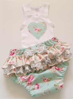 Baby Ruffle Nappy Pants / Cover and Singlet Set Size 00, 3 - 6 months