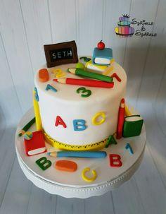 School Cupcakes, School Cake, Graduation Cupcake Toppers, Graduation Cookies, Teacher Cakes, Baby Birthday Cakes, Girl Cakes, Cake Creations, Celebration Cakes
