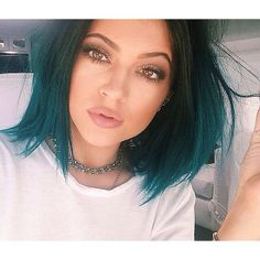 Im obsessed with Kylie's blue hair