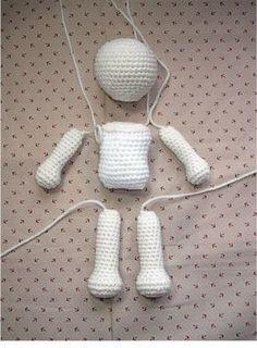 FREE Crochet Doll Patterns (Free Crochet Patterns and Tutorials to Crochet a Doll) free crochet doll patterns easy crochet doll patterns free the best crochet dolls and crochet doll tutorials basic amigurumi doll pattern :) What is amigurumi? Crochet Simple, Cute Crochet, Crochet Crafts, Crochet Baby, Crochet Projects, Crochet Pillow, Crochet Ideas, Knit Crochet, Crochet Amigurumi