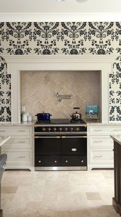 Antiqued ivory beige color travertine tile for kitchen backsplash projects. White Shaker Kitchen, Shaker Kitchen Cabinets, Kitchen Backsplash, Backsplash Design, Travertine Tile Backsplash, Travertine Floors, Natural Design, Tile Ideas, Beige
