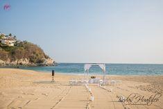 Una hermosa locación con el mar como testigo de su unión - Nuestros Clientes Bodas Huatulco