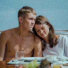 störst av allt-quicksand Serie Tv, Tv Series, Famous Men, Actors, Movies Showing, Cute Couples, Life Lessons, Tv Shows, Relationship