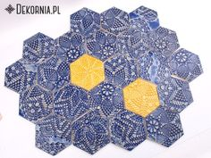 Oriental tiles, handmade ceramic tiles, unique pottery, tiles for bathroom, kitchen, interior idea #yellow #indigo #tiles #hexagon #dekornia #kafle #ceramika