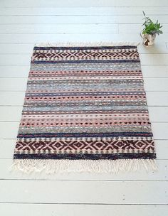 Swedish Rag Rugs from The Northern House. I love the larger design at the ends;