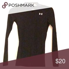 Under armor long sleeve drifit shirt Skin tight workout shirt that helps control your sweat 💦 Under Armour Tops Tees - Long Sleeve