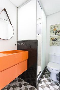 cute bathroom  banheiro com armário colorido
