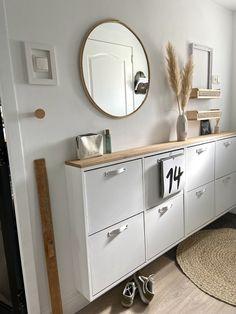 Ikea Inspiration, Hallway Inspiration, Small Apartment Decorating, Hallway Decorating, Ikea Shoe Cabinet, Diy Kitchen Decor, Home Decor, Diy Room Divider, Apartment Layout