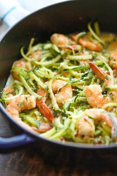 Low carb, low in calories, perfect: we love Zoodles recipes! - Zucchini noodles (zoodles) are the perfect low carb dinner! Zucchini noodles (zoodles) are the perf - Zucchini Noodle Recipes, Zoodle Recipes, Healthy Zucchini, Seafood Recipes, Recipe Zucchini, Tapas Recipes, Recipies, Prawn Recipes, Recipes Dinner