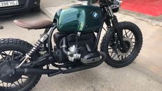 Testing a new BMW cafe racer by Lord Drake Kustoms.Just a AMAZING music! See the video! bmw yamaha for women gear girl harley tattoo Cb 450 Cafe Racer, Cafe Racer Style, Bmw Cafe Racer, Cafe Racer Build, Cafe Racer Parts, Bmw R100, R80, Bobber Bikes, Cool Motorcycles