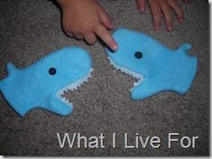 Shark mittens for kiddos!  Now if only I was crafty enough to do this...any takers want to make this for Baby H??  ;)