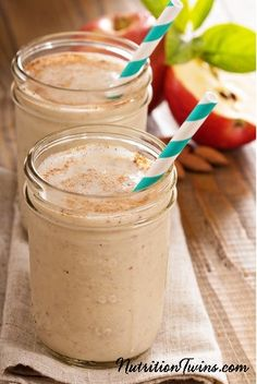 Skinny Winter Smoothie | Only 127 Calories | Sweet & Satisfying without any added sugar | For MORE Inspiration and RECIPES please SIGN UP for our FREE NEWSLETTER www.NutritionTwins.com