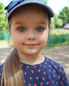 Anastasia Knyazeva, Russian Beauty, Pretty Baby, Girl With Hat, Beautiful Children, Little Princess, Belle Photo, Kids And Parenting, Cute Kids