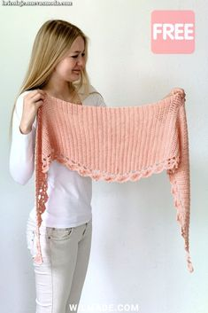 crochet shawl pattern by Wilmade: To The Point Shawl (FREE) To The Point Shawl - a free crochet pattern for beginners on including video.To The Point Shawl - a free crochet pattern for beginners on including video. Poncho Au Crochet, Mode Crochet, Crochet Shawls And Wraps, Single Crochet Stitch, Knitted Shawls, Crochet Scarves, Crochet Clothes, Knit Crochet, Double Crochet