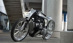 Secrets Revealed – Zon BMW Departed BMW Motorrad has been collaborating with custom builders since the introduction of their Heritage range. This is the first time they've invited one to build a bike around a concept engine though. Concept Motorcycles, Bmw Motorcycles, Custom Motorcycles, Custom Bikes, Modern Cafe Racer, Bmw Cafe Racer, Cafe Racer Motorcycle, Cafe Racers, Buy Bike