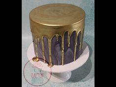 Pink and Gold Drip Cake Tutorial Bolo Drip Cake, Un Cake, Drip Cakes, Green Birthday Cakes, Novelty Birthday Cakes, 21 Birthday, Golden Birthday, Birthday Ideas, White Chocolate Ganache