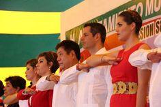 Murat atestigua cambio de poderes en Salina Cruz,  Tuxtepec y Santa Lucía del Camino