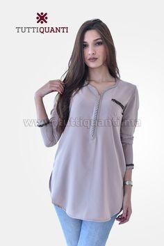Mode Abaya, Mode Hijab, Traditional Fashion, Traditional Dresses, Moroccan Caftan, Kurta Designs, Abaya Fashion, 50s Dresses, Designer Dresses