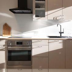 Kevätaurinko!! #helno #helnodesign #kallio #kitchendesign #keittiö #keittiöremontti