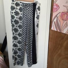 Zara black and white print pant size L Slightly sheer, light, fun Zara Pants