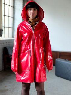 http://www.ebay.de/itm/Jacke-Regenjacke-LILIPUT-Regenmantel-raincoat-mac-macintosh-70er-True-VINTAGE-/371158404185?pt=DE_Jacken_Mäntel