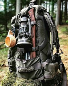 Got your bug out bag ready? Every prepper and survivalist needs a bug out bag list to stay prepared for any SHTF scenario. You only take what you absolutely need for survival. So what exactly should you include in a bug out bag checklist? Bushcraft Camping, Bushcraft Backpack, Bushcraft Gear, Survival Backpack, Tactical Backpack, Camping Survival, Survival Gear, Survival Skills, Survival Items