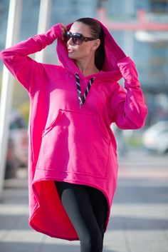 Fuchsia Sports Hoodie of Quilted Cotton with large pockets. Style it with jeans, leggings or wear it like a Sports Set for a different look. This top will be your Best Friend as it is loose, comfy, chic and trendy. CLICK Button 📍+ MORE to 🔍 View full SIZE CHART: ⬇️⬇️⬇️ Available Size: XS,