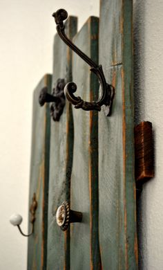 Coat Rack - Pallet - Upcycled - Antique - Rustic - Wall Decor