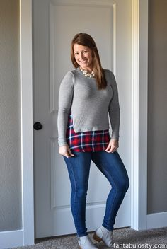 LOVE LOVE LOVE this top!!!... just saw in someone's November fix...Brandie Mixed Material Hem Knit Top(I think brand THML)... please send this in small.