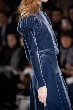 Tadashi Shoji blue velvet dress F/W 2013 Runway Fashion, High Fashion, Fashion Show, Womens Fashion, Tadashi Shoji, Looks Style, My Style, Haute Couture Style, Elie Saab Couture