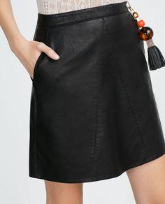 Image 6 de JUPE EN SIMILICUIR de Zara