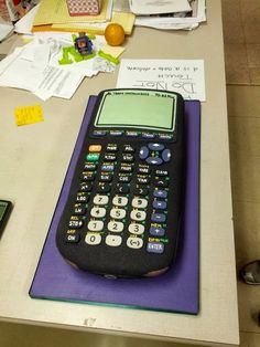 Art teacher makes a goodbye cake for retiring math professor. AMAZING!