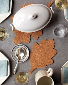 "Why only decorate for Thanksgiving day? Be festive the whole month long when serving hot dishes at the table. See the ""Corkboard Leaf Trivets"" in Martha Stewart's Thanksgiving Table Toppers Gallery Thanksgiving Diy, Thanksgiving Table Settings, Thanksgiving Decorations, Holiday Decorations, Thanksgiving Traditions, Holiday Tables, Seasonal Decor, Fall Crafts, Holiday Crafts"
