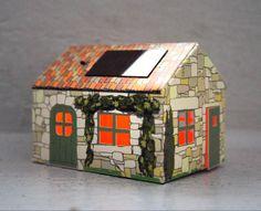 Les Casagami, Maisons de France, sont fabriquées en France. Elles se rechargent au soleil pour éclairer ... quand vous le souhaitez. Vendu par planche, faire le pliage soi-même. Eclairage solaire. 9€ (vendu au café des bébés / sauramps)