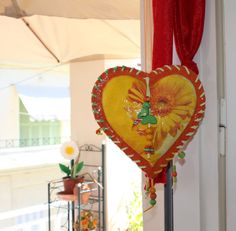 papier mache  flower heart by dreamaspirations, €60.00