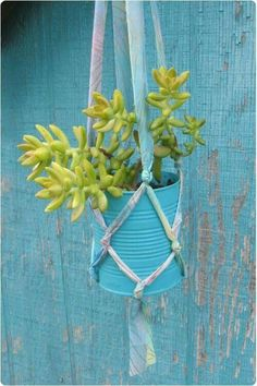 Simple macrame to use all the silk I bought at yard sale during the weekend! Flower pot