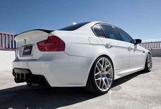 BMW M3 Sedan (E90) Specification - http://autotras.com