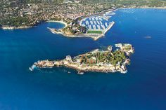 Vue Général Var France Mer port de bandol France ~ one of the oldest île de bendor Paul Ricard towns on the French Aix En Provence, South Of France, Coups, Places Ive Been, Paradise, Scenery, Old Things, Photos, French