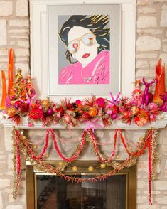 Jennifer Perkins groovy retro inspired holiday mantel.    #hotpinkchristmas #kitschmas #nagel #orangeglass #vikinglgass