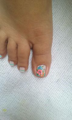 Pedicure Designs, Pedicure Nail Art, Toe Nail Designs, Toe Nail Art, Cute Toe Nails, Cute Toes, Nail Picking, Bella Nails, Summer Toe Nails