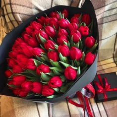 How to Choose Best Valentine's Day Flower Delivery Service in NYC Beautiful Rose Flowers, Beautiful Flower Arrangements, Colorful Flowers, Beautiful Flowers, Tulips Flowers, Planting Flowers, Flower Delivery Service, Luxury Flowers, Flower Aesthetic